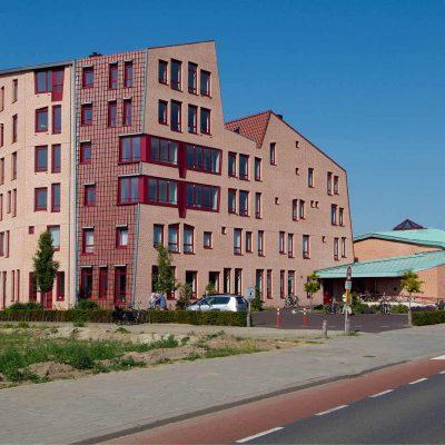 Almelo-Elisaparochie-en-Karmelietenklooster-met-Appartementen-2